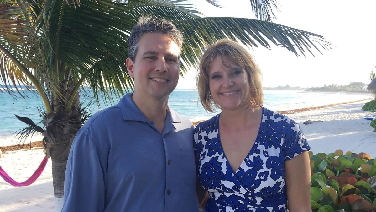 A Colorado couple moves to Playa del Carmen to escape the cold weather.